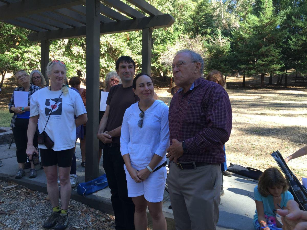 Jaime Reyes addresses picnic attendees