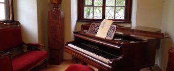 Dvořák's Piano